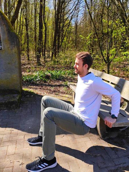 mymedAQ Magazin: Fitness-Übung Dips mit Jan Hayduk