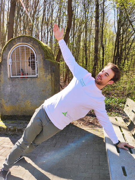 mymedAQ Magazin: Fitness-Übung Seitstütz mit Jan Hayduk